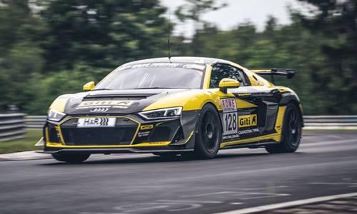 NLS 1: Platz 1 und 2 für Carrie Schreiner auf der Nürburgring Nordschleife