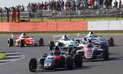 British F4 Silverstone: Schreiner wieder in Top 10