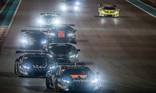 Lamborghini Super Trofeo Middle East: Carrie Schreiner in ihrem ersten GT Rennen auf dem Podium